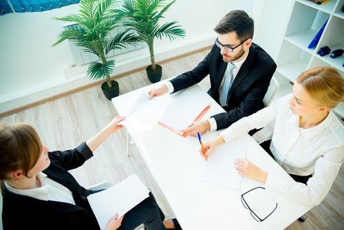 10 Domande tipiche dei colloqui di lavoro e come rispondere