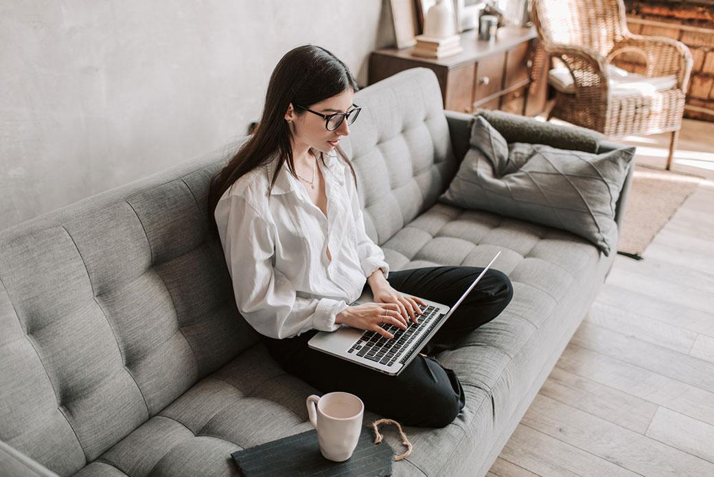 Assistente-Virtuale-come-guadagnare-da-casa