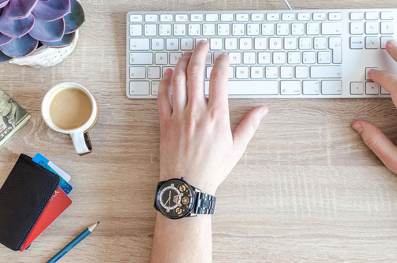 lavorare-da-casa-online-con-le-chat