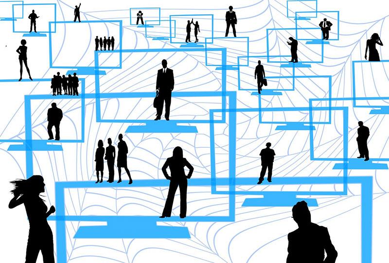 Teleoperar-lavorare-online-con-le-chat