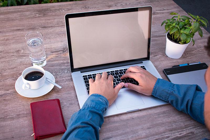 Trovare-lavoro-online-con-le-fiere-digitali-di-CVing-cerca-la-tua-posizione