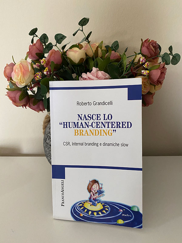 Recensione-libro-Nasce-lo-human-centered-branding-libro