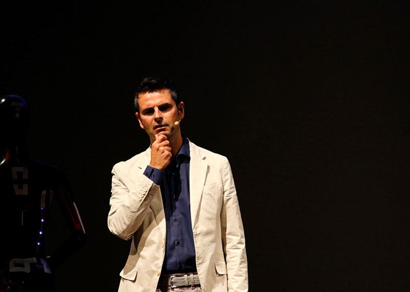 Ale-Agostini-autore-Hoepli